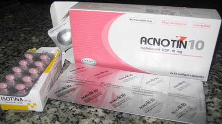 thuốc Acnotin 10 trị mụn review webtretho
