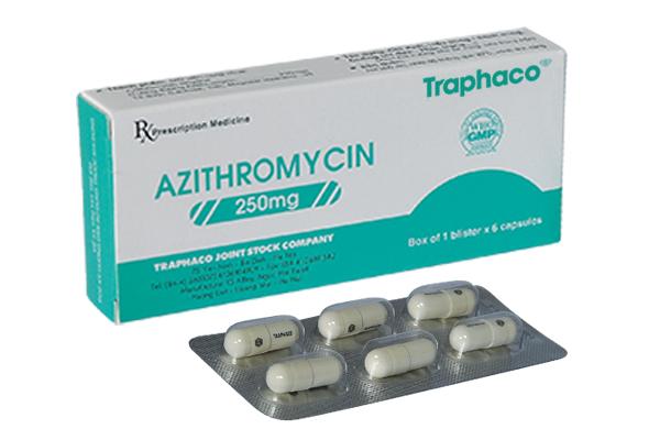 azithromycin-khang-sinh-dung-trong-tri-mun-trung-ca-2