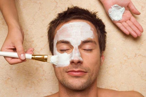 Cách trị mụn đầu đen trên mặt cho nam tận gốc - không tái phát