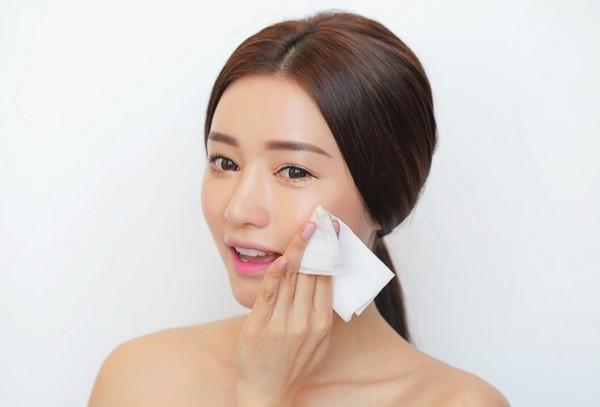 Mặt nạ se khít lỗ chân lông cho da nhờn hiệu quả nhất 1