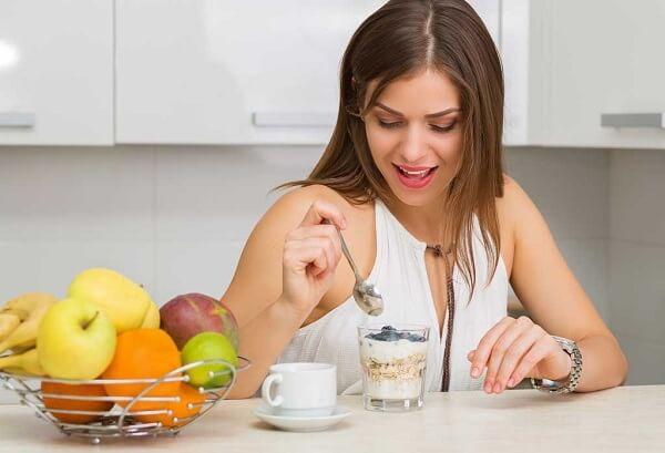 Sau khi nặn mụn đầu đen cần có chế độ ăn uống hợp lý