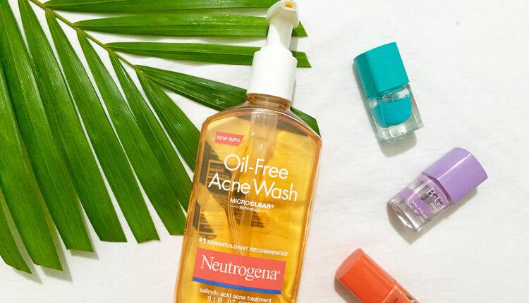 Sữa rửa mặt Neutrogena Oil Free Acne Wash trị mụn