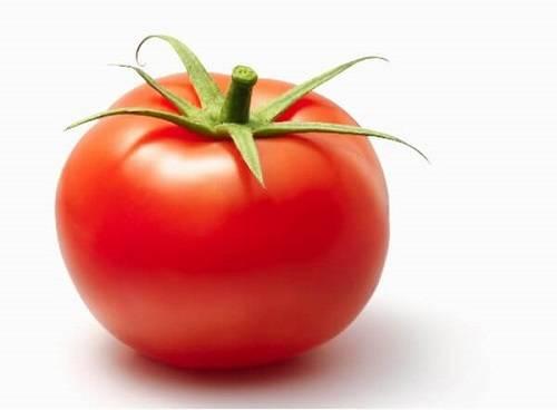 cà chua trị mụn rất tốt