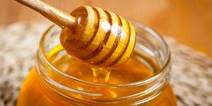 dùng mật ong trị mụn trứng cá